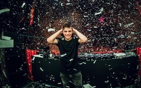 Hardwell, Dimitri Vegas & Like Mike và giờ là Martin Garrix: Cứ về Việt Nam là thành No.1 Top 100 DJ thế giới?