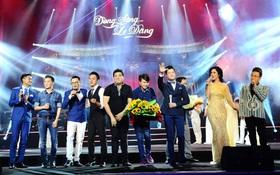 """Khán giả xúc động khi trở lại thời """"Làn sóng xanh"""" trong liveshow nhạc sĩ Việt Anh"""