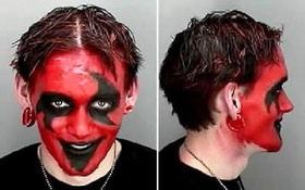 Đi chơi Halloween, được tặng kèm luôn ảnh hồ sơ tội phạm khiến bạn tởn đến già