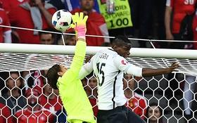 Pháp và Thụy Sĩ dắt tay nhau vào vòng knock-out sau trận hòa không bàn thắng