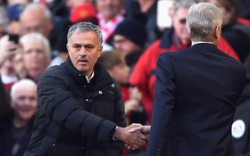 """Mourinho lại chửi xéo Wenger: """"14 năm qua ông ấy có vô địch Ngoại hạng Anh đâu"""""""