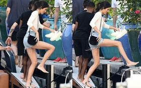 """Không cần đôi giày nào """"hỗ trợ"""", đôi chân Kendall Jenner vẫn thon dài đáng ao ước"""