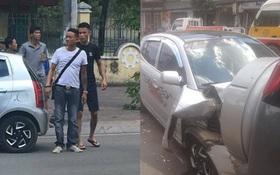 Chở vợ đi đẻ, diễn viên Hiệp Gà lái xe đâm vào ô tô đang đỗ bên đường