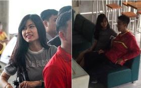 """Bắt gặp đội trưởng """"hot boy"""" của U19 Việt Nam đi cà phê cùng bạn gái"""