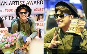 Noo Phước Thịnh cười rạng rỡ, khoe cúp chiến thắng tại sân bay ngay khi trở về