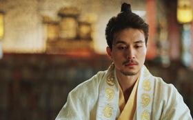 """""""Goblin"""": Giật mình với dung mạo Thần chết Lee Dong Wook ở kiếp trước"""