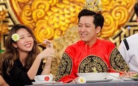 Trường Giang tình cảm lau miệng, đút thức ăn cho Quỳnh Anh Shyn