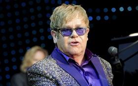 Elton John bị kiện tội quấy rối tình dục vệ sĩ