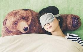 """Gối ngủ """"trá hình"""" gấu yêu mang theo những cái ôm thắm đượm tình người"""