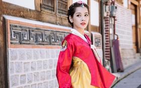 Mặc Hanbok tạo dáng trên phố Hàn, Chi Pu xinh xắn và đáng yêu đến khó có thể rời mắt