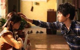 """Sau """"Hậu Duệ"""" , """"người sói"""" Song Joong Ki đã trở lại bên """"người tình"""" Park Bo Young!"""