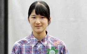 Công chúa Nhật Bản Aiko không tới trường cả tháng vì áp lực thi cử