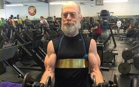 61 tuổi và cơ bắp cuồn cuộn của tài tử này vẫn khiến các chàng trai trẻ ngưỡng mộ