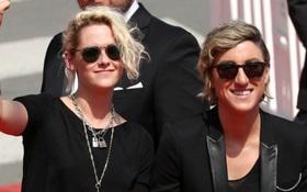 Kristen Stewart đang chuẩn bị kết hôn với người yêu đồng giới?