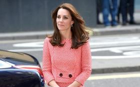 5 tỷ đồng là số tiền công nương Kate đã chi cho cả tủ áo quần của năm 2016, gấp 4 lần năm ngoái!