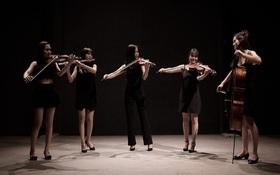 """5 cô gái Maius Lady cover nhạc phim """"Hậu duệ mặt trời"""" theo phong cách giao hưởng"""
