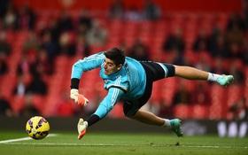 Courtois, Valdes, Cech lọt tốp những pha cứu thua xuất sắc nhất vòng 9 Ngoại hạng Anh