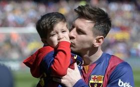 """Messi tiết lộ """"quý tử"""" Thiago không hứng thú với trái bóng tròn"""