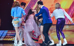 X-Factor: Thành viên xinh đẹp của S-Girls bất ngờ ngất xỉu trên sân khấu