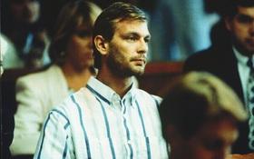 """""""Con quỷ"""" của nước Mỹ: Kẻ sát nhân bệnh hoạn, tra tấn và ăn thịt nạn nhân nhận án 957 năm tù"""