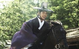 """""""Bộ Tứ Lừa Đảo"""": Yoo Seung Ho - Chàng Robinhood có nụ cười rạng rỡ nhất xứ Hàn"""