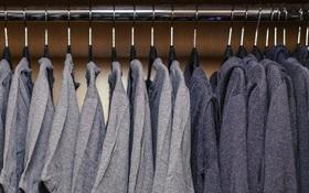 Bạn sẽ không tin đây là tủ quần áo của một trong những người giàu nhất thế giới