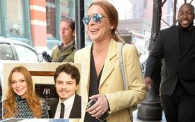 Lindsay Lohan rạng rỡ khoe nhẫn đính hôn với thiếu gia trẻ giàu có
