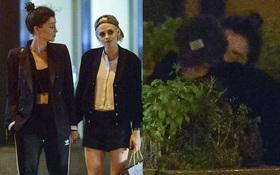 Kristen Stewart công khai hôn môi, nắm tay bạn gái cũ của Cara Delevingne