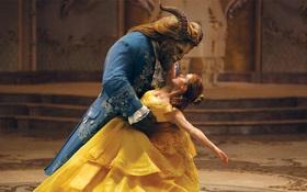 """""""Beauty and the Beast"""" là phim gia đình có doanh thu cao nhất tại Mỹ"""