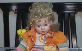Bí ẩn con búp bê tóc vàng tự di chuyển trong nhà được mệnh danh là Annabelle xứ Peru