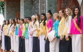 Thí sinh Miss Grand International 2017 diện áo bà ba đi vãn cảnh chùa