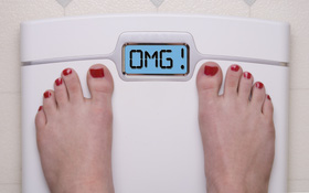 """List 5 thói quen thường mắc phải khiến bạn chỉ """"hít không khí"""" thôi cũng béo"""
