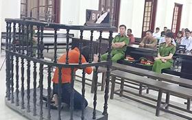 Được phép nói lời cuối cùng, nữ bị cáo chắp tay quỳ lạy xin lỗi phía gia đình nạn nhân