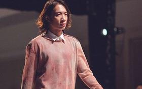 Mặc đồ hồng là yếu đuối? Bạn sẽ nghĩ lại khi xem loạt ảnh cá tính này của 2 stylist Việt