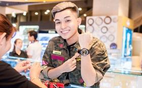 Jun Phạm 365 hào hứng khoe đồng hồ mới cùng fan
