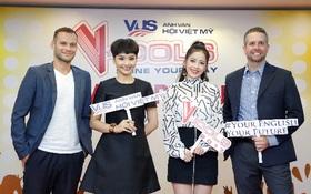 Miu Lê và Chi Pu cười sảng khoái trên ghế nóng V-Idols