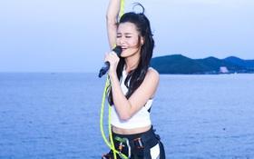 """Đông Nhi hát """"On Top"""" và biểu diễn vũ đạo nóng bỏng giữa không trung khiến fan """"sửng sốt"""""""