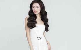 Emily Hồng Nhung biến hoá lôi cuốn trong bộ sưu tập mới