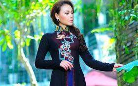 Thái Tuấn làm mới chiếc áo dài với nghệ thuật cẩn khảm