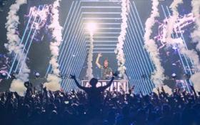 Huyền thoại Armin post clip chào fan Việt Nam trong chương trình Armin Van Buuren by VinaPhone