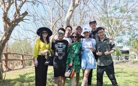 Võ Cảnh đi chơi cùng và thân thiết bên gia đình Angela Phương Trinh trước thềm valentine