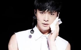 Vắng mặt tại concert, Lay bị netizen đòi đuổi ra khỏi EXO