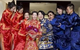 Thí sinh The Voice China quỳ xuống thổ lộ tình cảm với bạn gái kém 6 tuổi trong đám cưới
