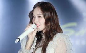 Fan dậy sóng khi Jessica lỡ miệng gọi tên fandom SNSD sau 3 năm