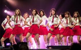 """Kpop tháng 8: Cuộc hội ngộ """"tương tàn"""" của hội chị em I.O.I"""