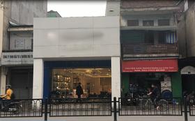 """Clip: Cận cảnh ngôi nhà đặc biệt """"ôm trọn vỉa hè"""" trên đường phố Hà Nội"""