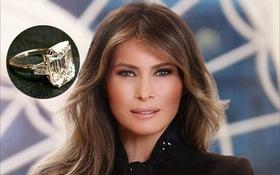 Bà Melania Trump khoe nhẫn kim cương 25 cara trong bức ảnh chính thức mới nhất tại Nhà Trắng