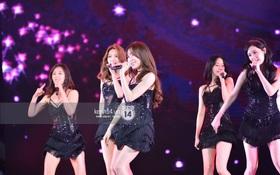 """Clip: Fan Việt được SNSD """"chiêu đãi"""" bằng loạt hit một thời: Genie, Hoot, Lion Heart..."""