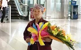 Hình ảnh cảm động ở sân bay: Người mẹ nghèo ôm bó hoa 500k chờ tặng con gái sau 3 năm đi xuất khẩu lao động