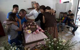 """Trận """"động đất thế kỷ"""" đi qua, in hằn những nỗi đau khôn cùng trên đất nước Mexico"""